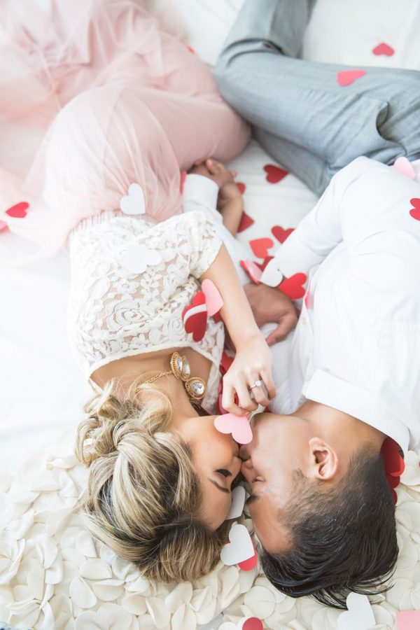 10 Super Cool Way To Explain Your Love To A Girl